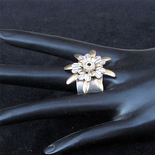 Alchemy Ring Flower JR195