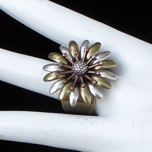 Alchemy Ring Flower JR233