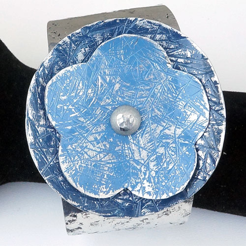 Allure Cuff with Flower Blue JB511