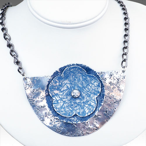 Allure Necklace with Flower Blue JN1484