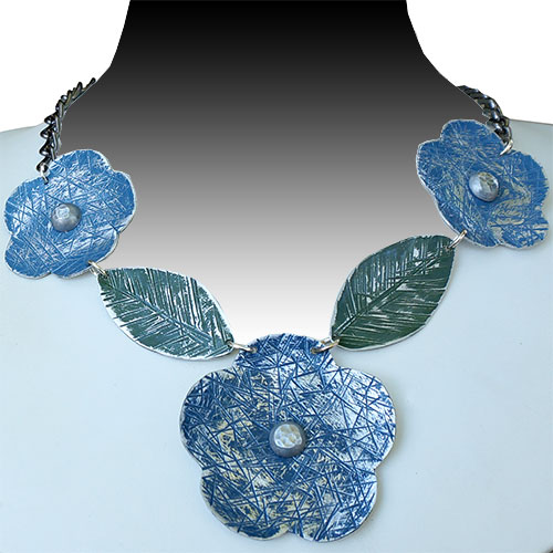 Allure Necklace Flowers Blue JN1710