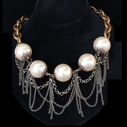 Angel Court Balls & Chain RJN406