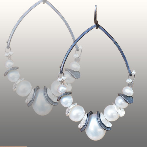 Calliope ERs Chips & Pearls Hoops JE2954