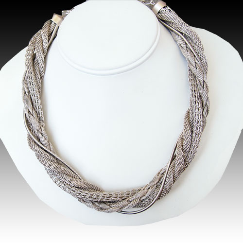 Cavender Necklace Twisted Chains JN1348