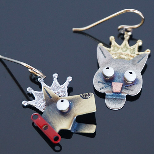 Chickenscratch Earrings Reigning Cats and Dogs JE3551