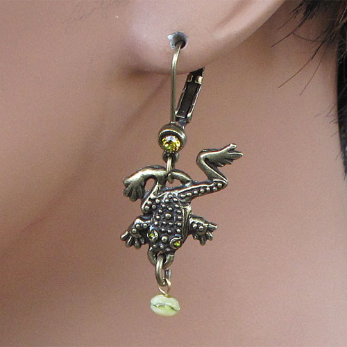 La Contessa Frog Ox Gold Rana Earrings JE1694