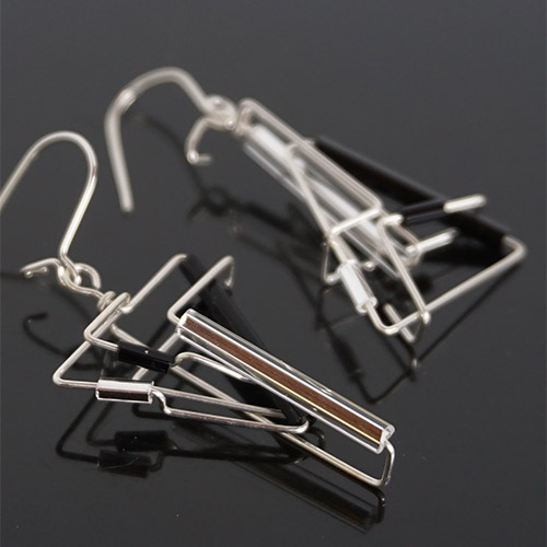 Levy Barb Wire Ying Yang Earring JE3811 SOLD