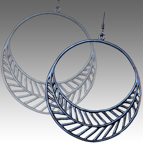 Mercedes Shaffer Earring Crescent Moon Fern JE2699