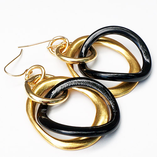 MooMoo Earrings Horn & Gold Tone Hoops JE3199
